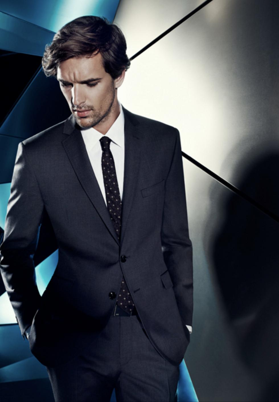 Фото рекламы смешанной мужской одежды