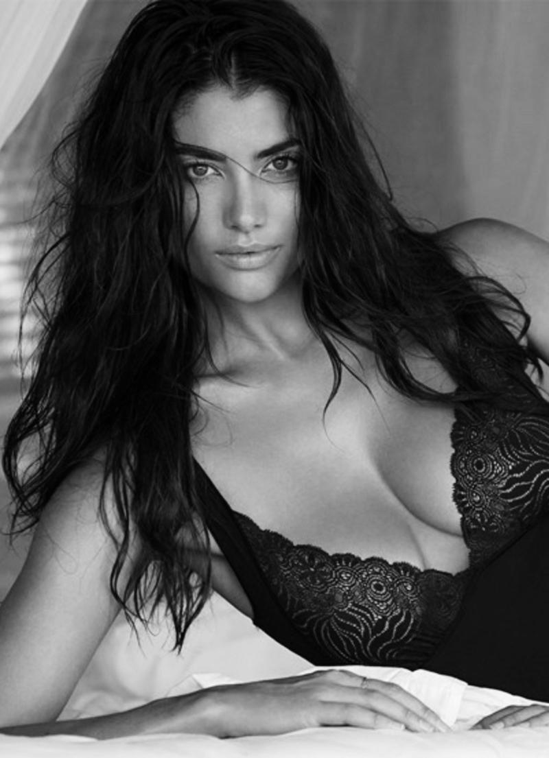 Lauren Mellor Nude Photos 40